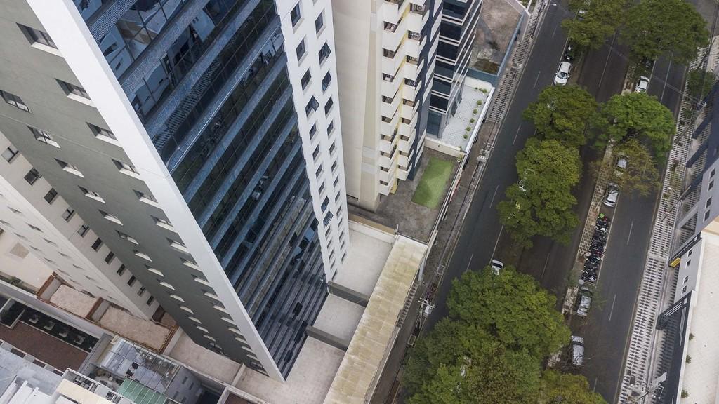 Foto 1 - LAJE COMERCIAL em CURITIBA - PR, no bairro Bigorrilho - Referência CM00015
