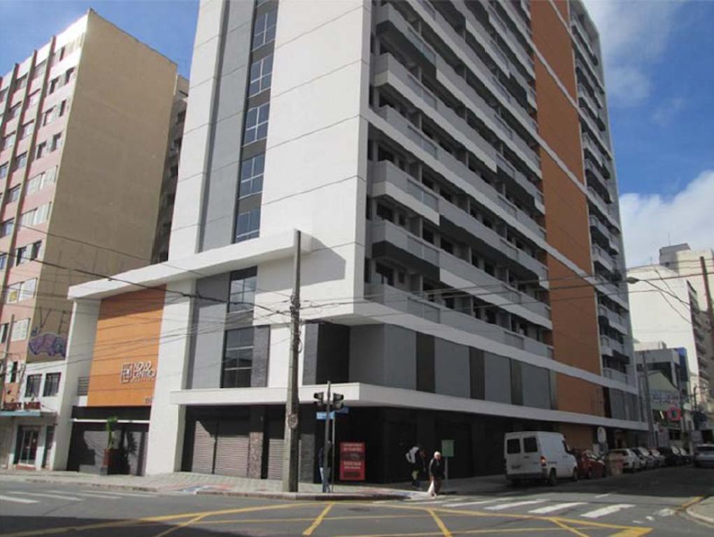 Foto 1 - SALA COMERCIAL em CURITIBA - PR, no bairro Centro - Referência CM00011
